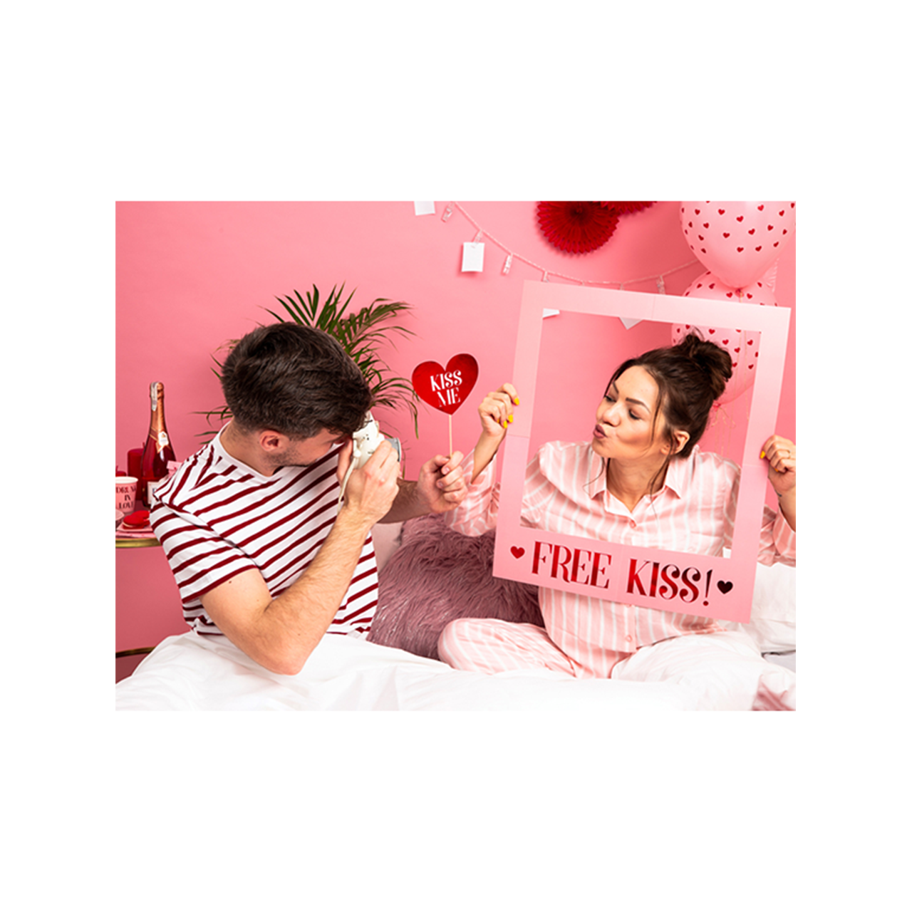 1 Photobooth Set - Love is in the air